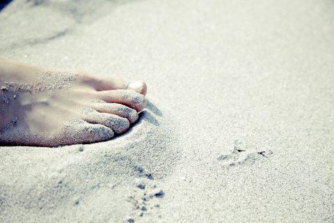 Marzysz o pięknych i zadbanych stopach? Skorzystaj z usług podologa!