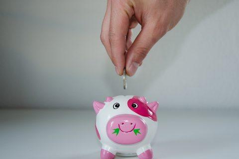 Jak sukcesywnie odkładać pieniądze?