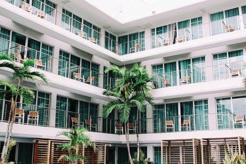 Gdzie znaleźć najlepsze hotele na wakacje?