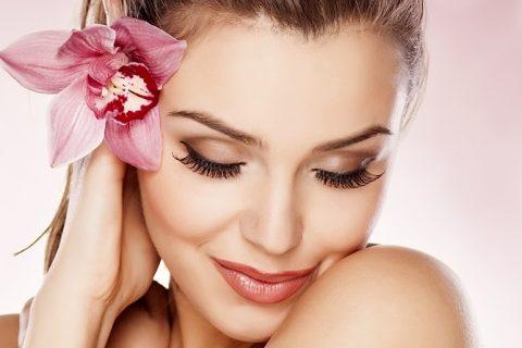 Jak niwelować skutki działania czynników zewnętrznych na skórę